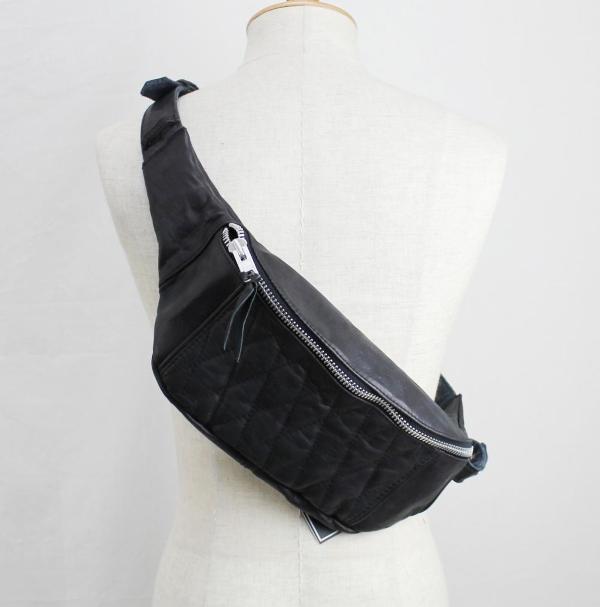 規取扱 SCHOTT(ショット) PADDED BODY BAG(パッデッド ボディー バッグ) BLACK ブラック